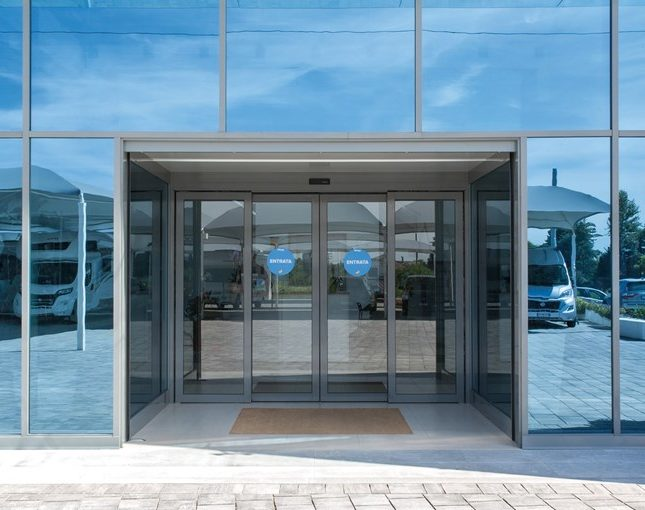 Entrematic_sliding_doors-3