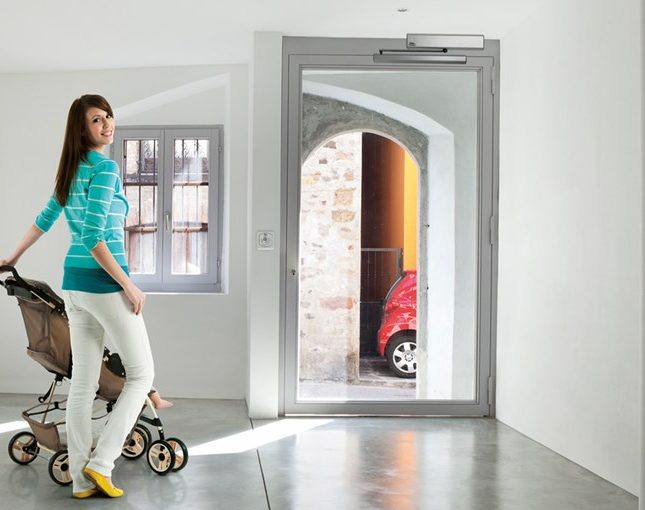 Entrematic_swing_doors_DitecSprint-1
